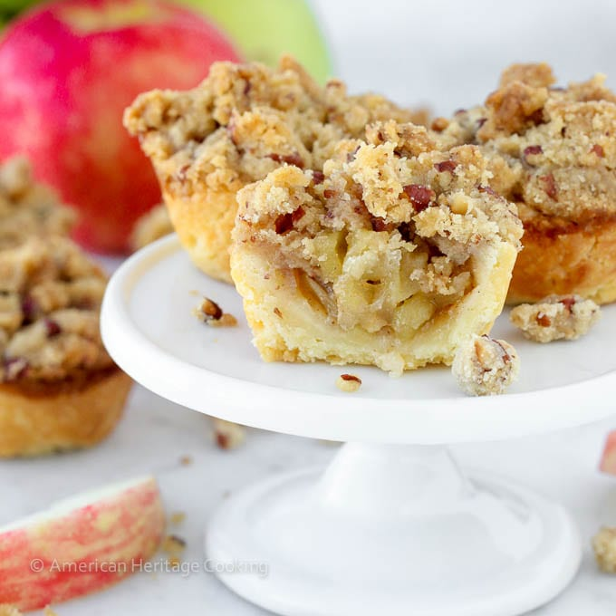 Mini Apple Pecan Crumble Pies